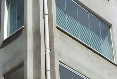 CB270-Cam-Balkon